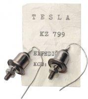 KZ799 - dvojice zenerových diod 1,25(5W) 30V