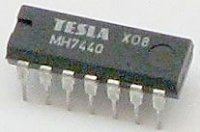 7440 2x 4vstup. NAND, DIL14 /MH7440, MH7440S, MH5440, MH5440S/