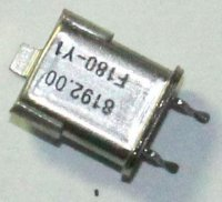 Krystal 8,192MHz, HC-52