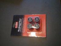 Čepičky k označení uskladněných pneumatik (v němčině)