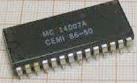 MC14007A - CPU pro kalkulačku, DIL28