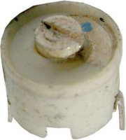 Kapacitní trimr 4-20pF keramický, průměr 10mm