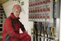 Ochranná PE přilba Voss Helme pro elektrikáře, 6bodová, zelená