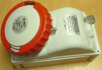 Zásuvka 230/400V/32A 5kolík FANTON 73365 s vypínačem, IP67, DOPRODEJ