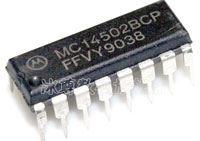 4502 - 6x invertující oddělovač, DIL16 /MC14502/