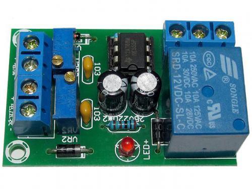 Modul XH-M601 pro kontrolu nabíjení baterie 12V - stavebnice